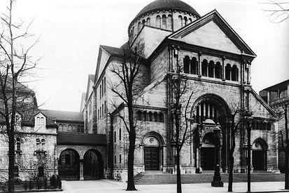 Berlin,_Charlottenburg,_Synagoge_in_der_Fasanenstraße,_ca 1916jpg