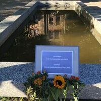 Monument for the unknown refugee
