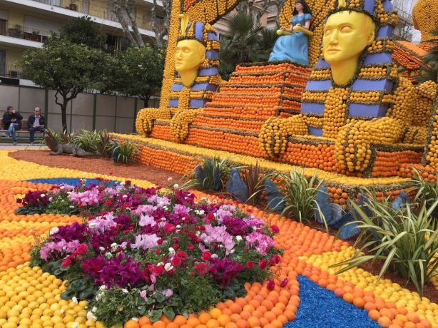 Cleopatra: Spring flowers at the foot of the citrus sphinx