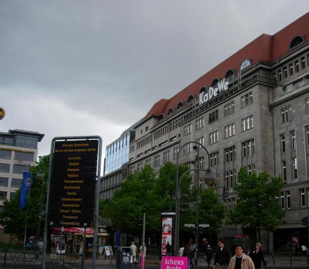 Wittenbergplatz monument